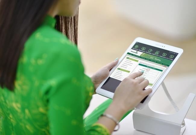Vietcombank sẽ hỗ trợ chuyển sim 11 số về 10 số tại nhà qua SMS, Website